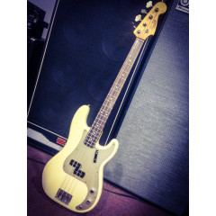 FENDER - GER13-226 59 P.BASS RELIC R/W