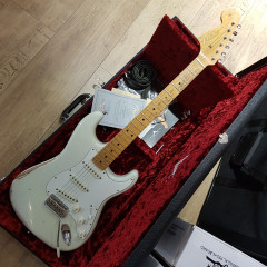 FENDER - VOODOO CHILD STRAT RELIC OW