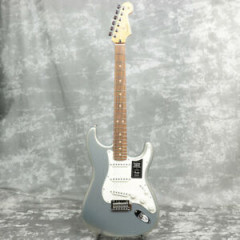 FENDER - GUITARE ELECTRIQUE FENDER Player Stratocaster Pau Ferro Fingerboard Silver